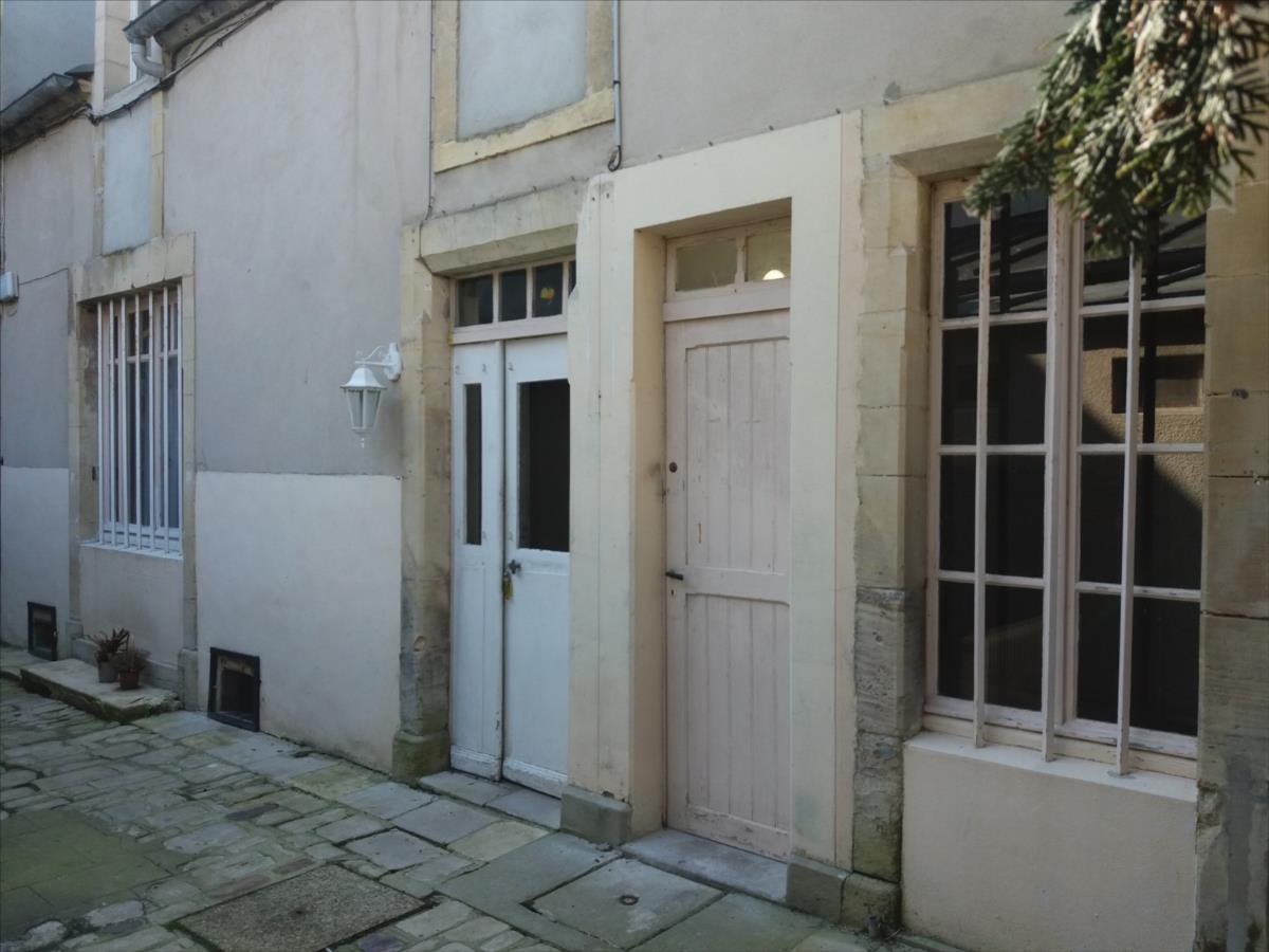 local d'activité en location Bayeux Cedex