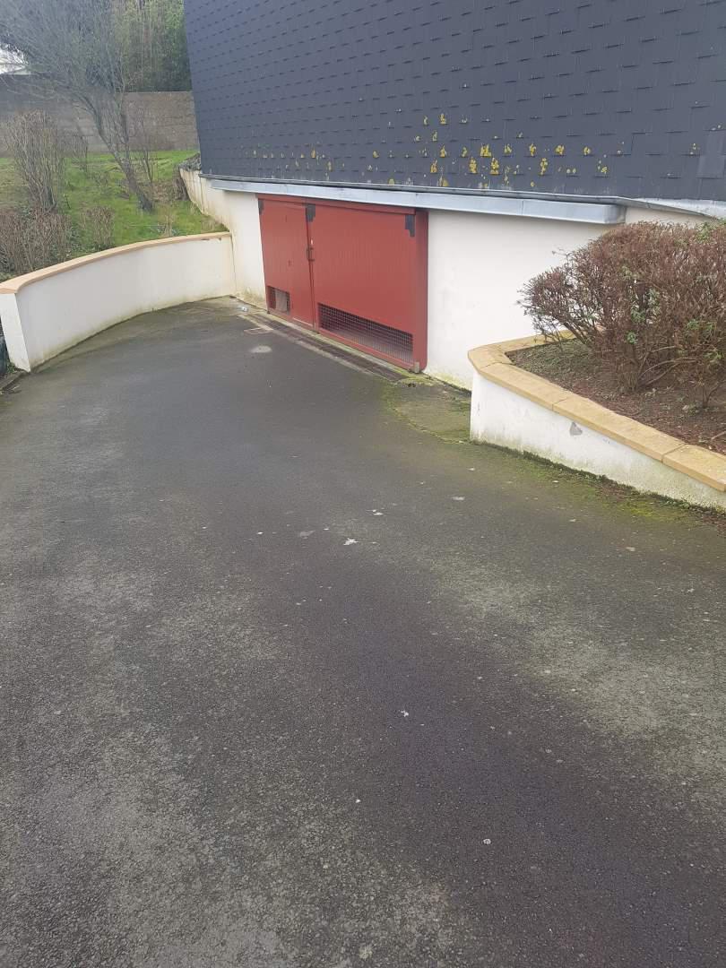 Garage / Box en location Granville